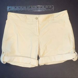 Theory khaki chino rolled hem shorts size 8